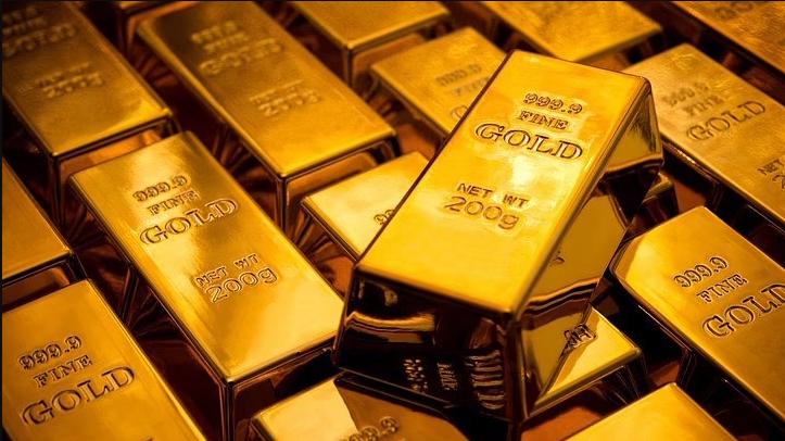 सोन्याचांदीच्या भावात चढ उतार सुरूच;  सोने 400 रुपयांनी तर चांदी 700 रुपयांची घसरण ..