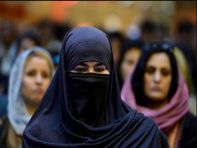 अफगाणिस्तानमधील महिला पत्रकारांवर बंदी येईल का?