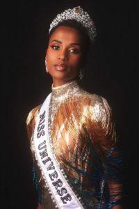 Zozibini Tunzi, झोझीबीनी, मिस युनिवर्स, Miss Universe 2019, news, marathi, woman, maxwoman,