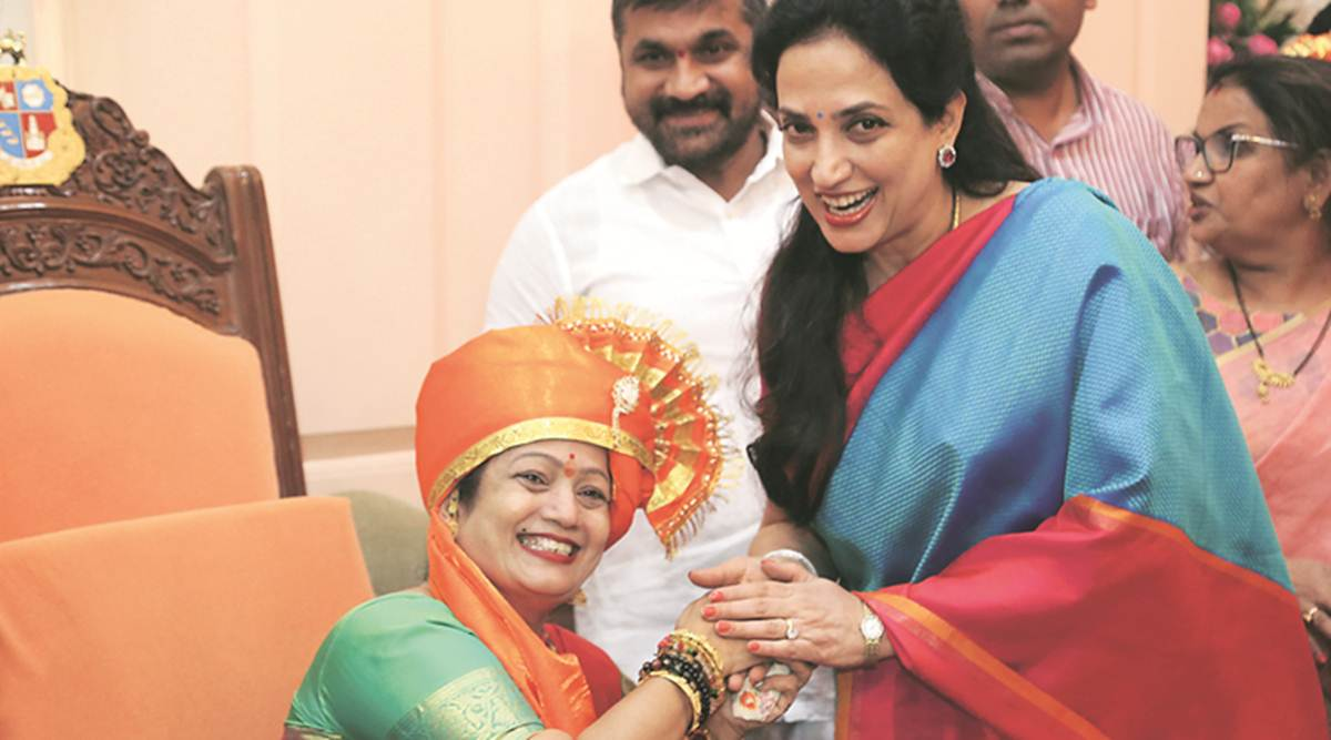 Kishori pedanekar and smita thackeray